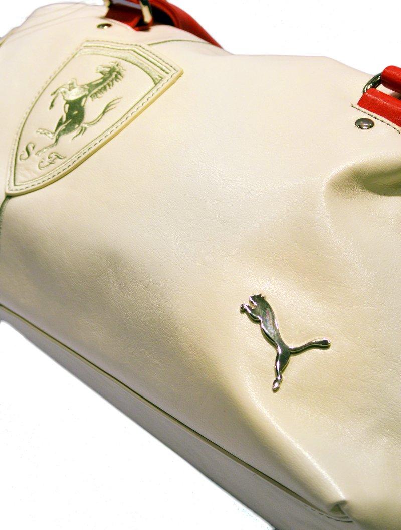 0ca88fc1493d puma ferrari handbag white WACBW0000435 full 3